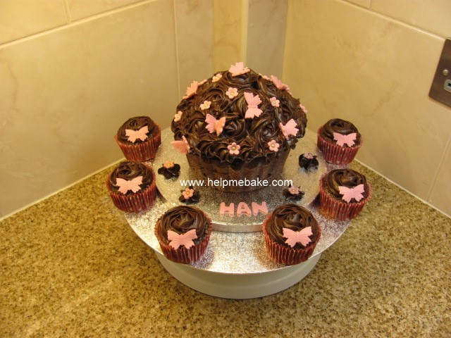 Click image for larger version.  Name:Han Bday Cake..jpg Views:1015 Size:104.6 KB ID:1002
