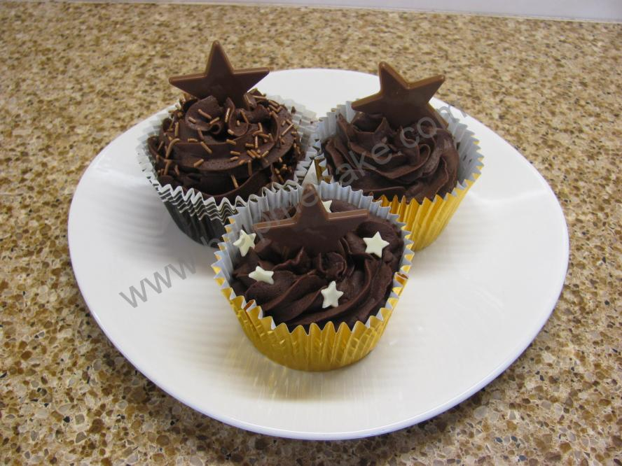 Click image for larger version.  Name:Chocolate & Ganache Cupcakes.jpg Views:363 Size:94.3 KB ID:93